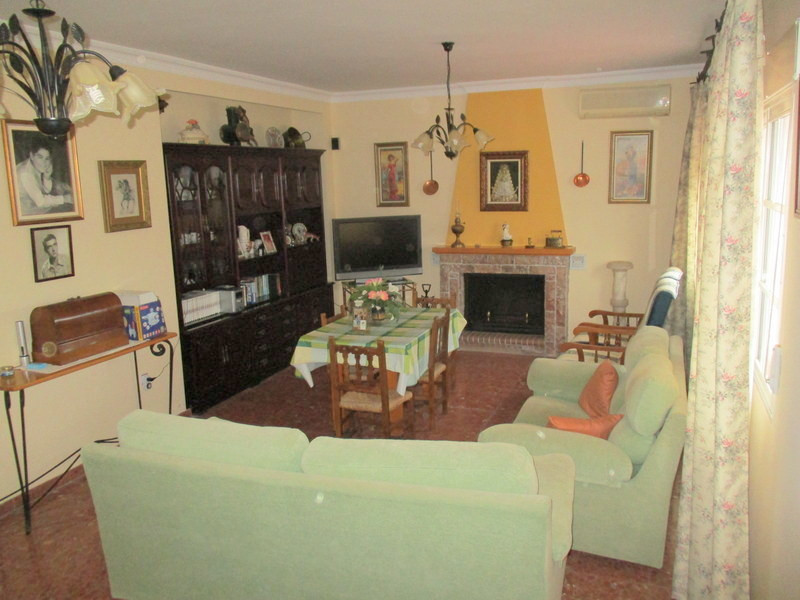 House in Alora R3321787 5