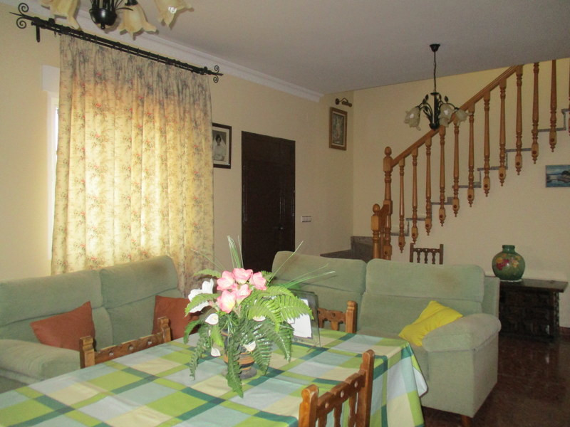 House in Alora R3321787 6