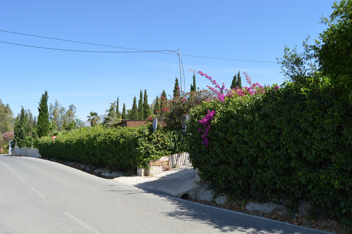 House in Alora R3175363 42