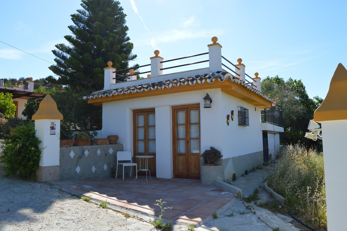 House in Alora R3175363 5