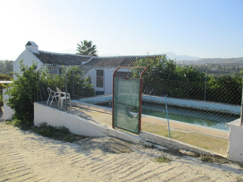 Detached Villa for sale in Pizarra