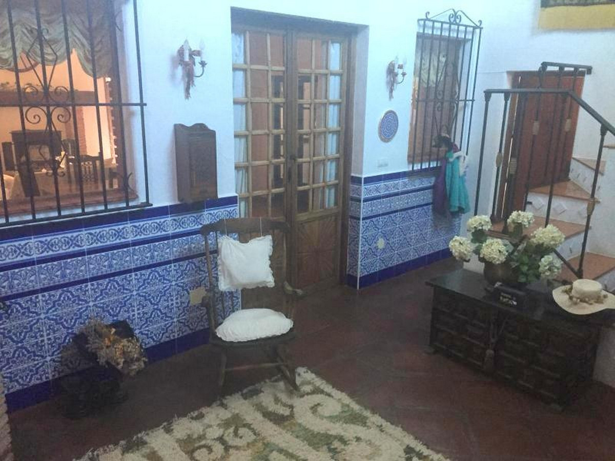 House in Alora R3403375 18