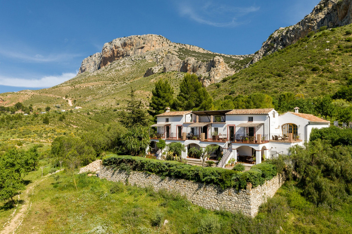 Wow! Wow! Wow!  Location! Location! Location!  We are honoured to have been invited to offer for sal,Spain
