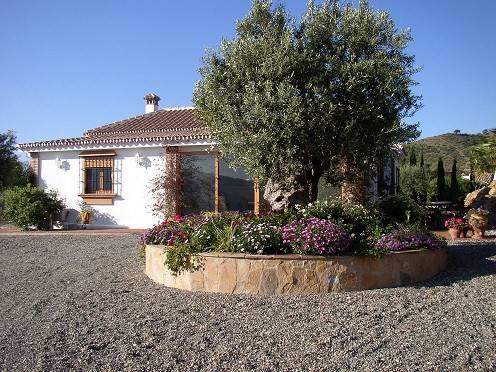 A stunning villa in an equally stunning location less than 5 minutes walk to Alora town.  Panoramic ,Spain