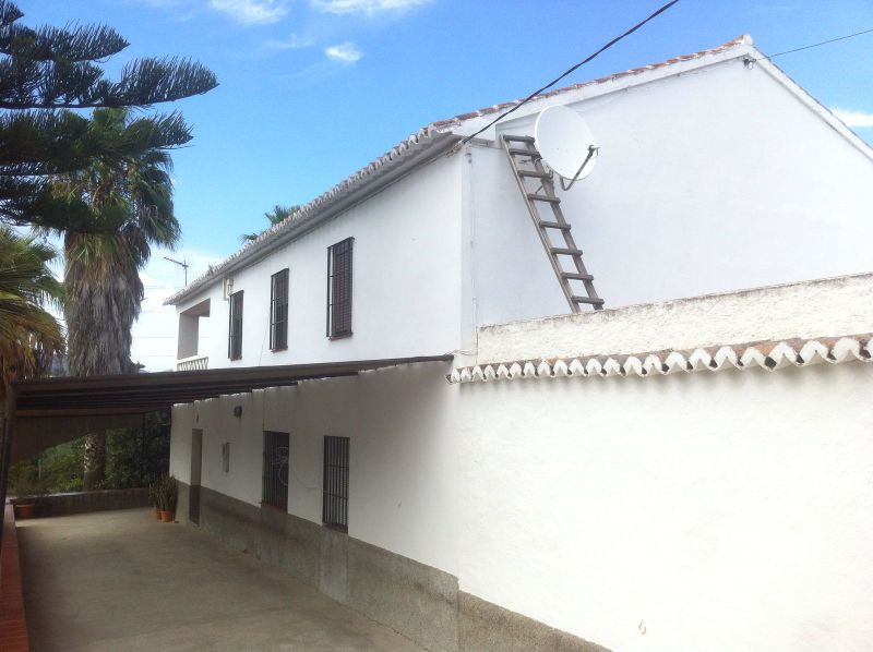 This very attractive, spacious, two storey, 7 bedroom, 2 bathroom, refurbished, traditional Spanish , Spain