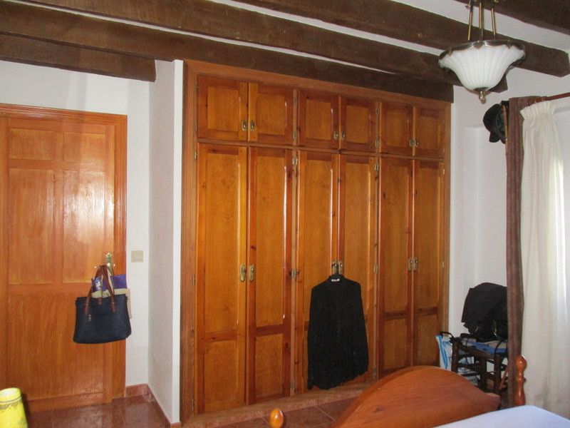 House in Alora R3291688 15