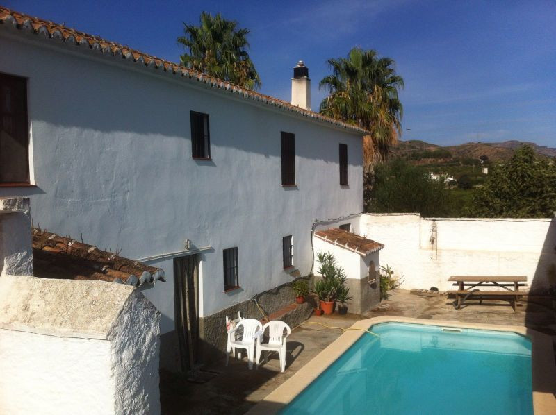 House in Alora R3291688 19