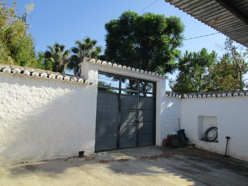 House in Alora R3291688 2