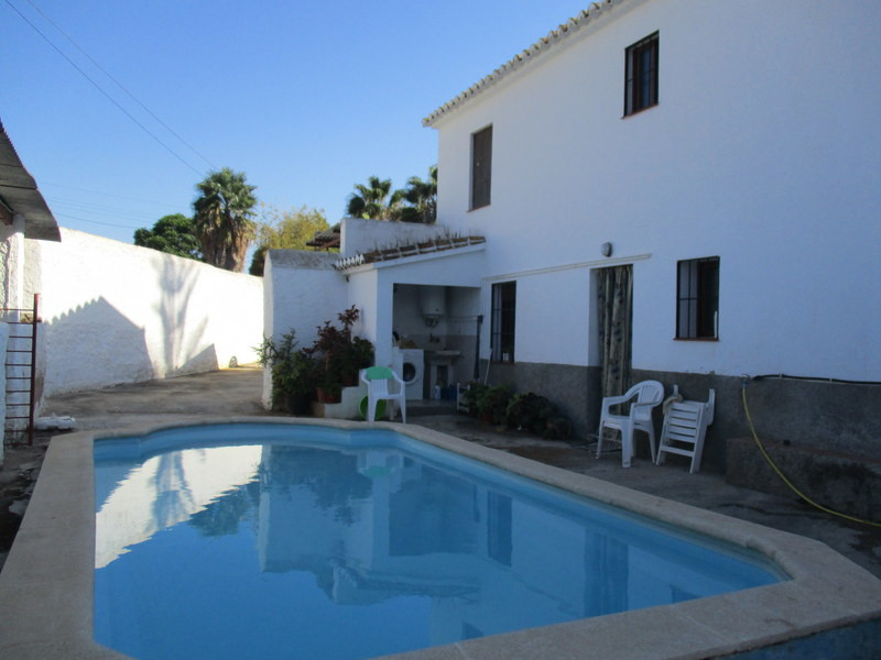 House in Alora R3291688 3