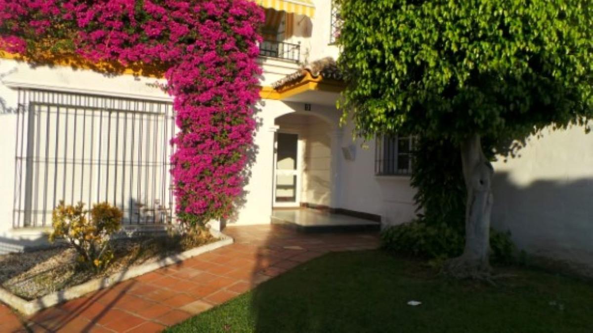 Marbella Banus Apartamento en Venta en Atalaya – R3649931