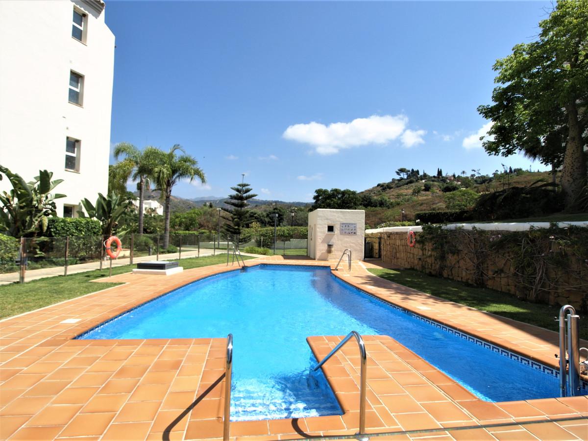 Apartamento en Venta en Elviria – R3789154