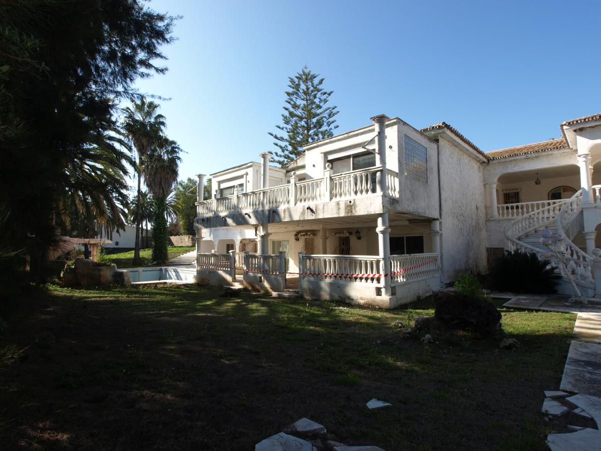 Villa 13 Dormitorios en Venta Atalaya