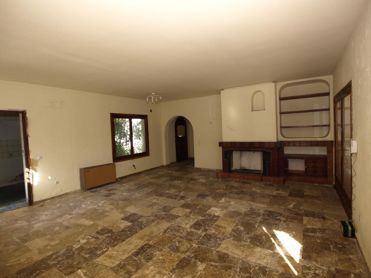 Villa con 13 Dormitorios en Venta Atalaya