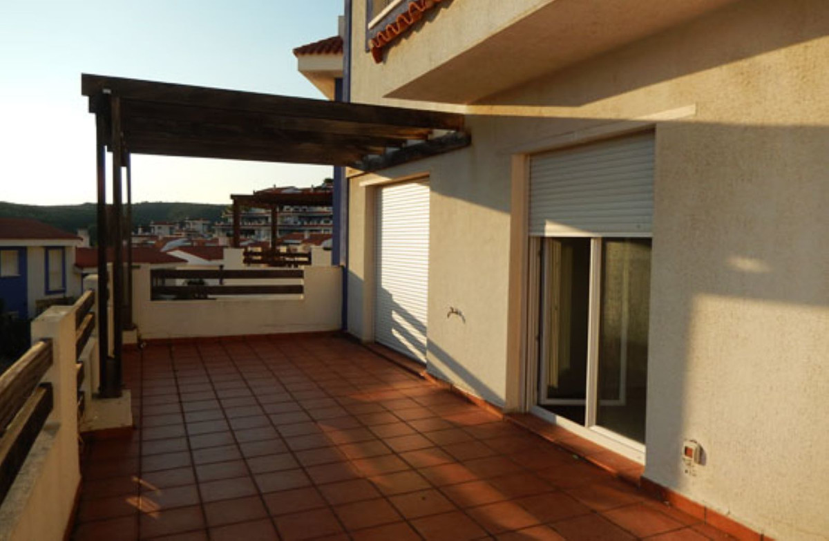 Middle Floor Apartment in Manilva