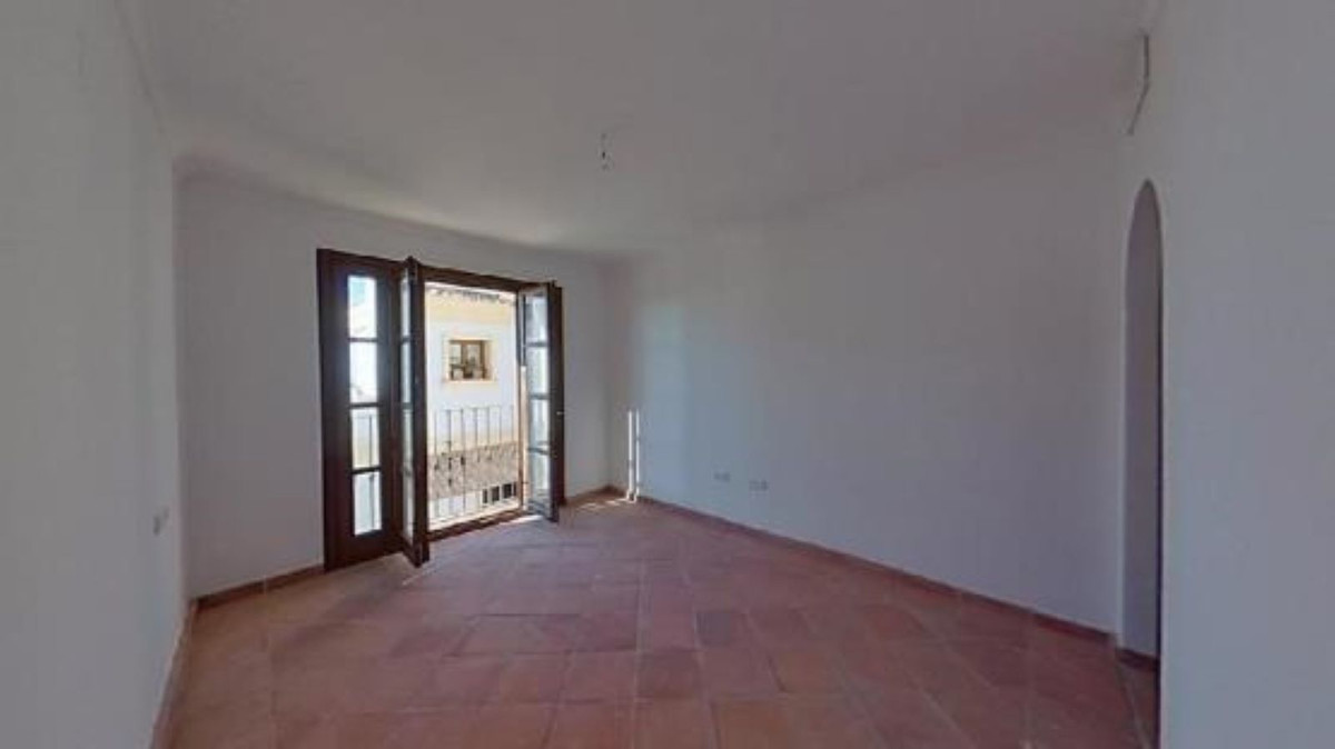 Bank repossession apartment in Benahavis, Malaga. It has an area of ??194 m² distributed in 3 specta,Spain