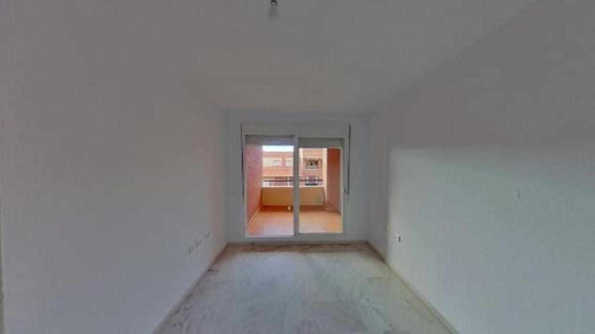 Apartamento Planta Media en Venta en Marbella – R3648017