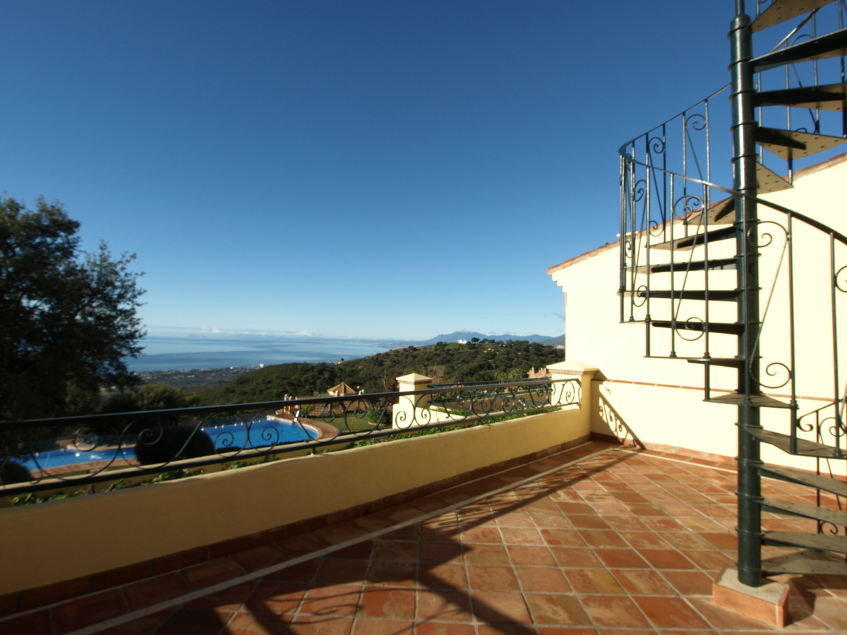 Townhouse Terraced in La Mairena, Costa del Sol