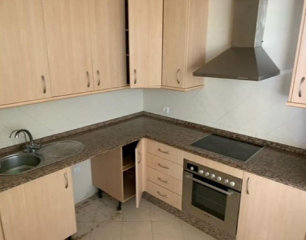Apartamento en Venta en Elviria – R3882451