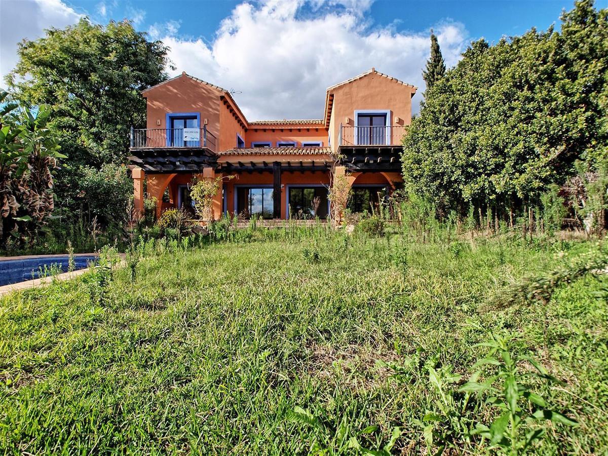 Villa  Independiente en venta   en Hacienda Las Chapas