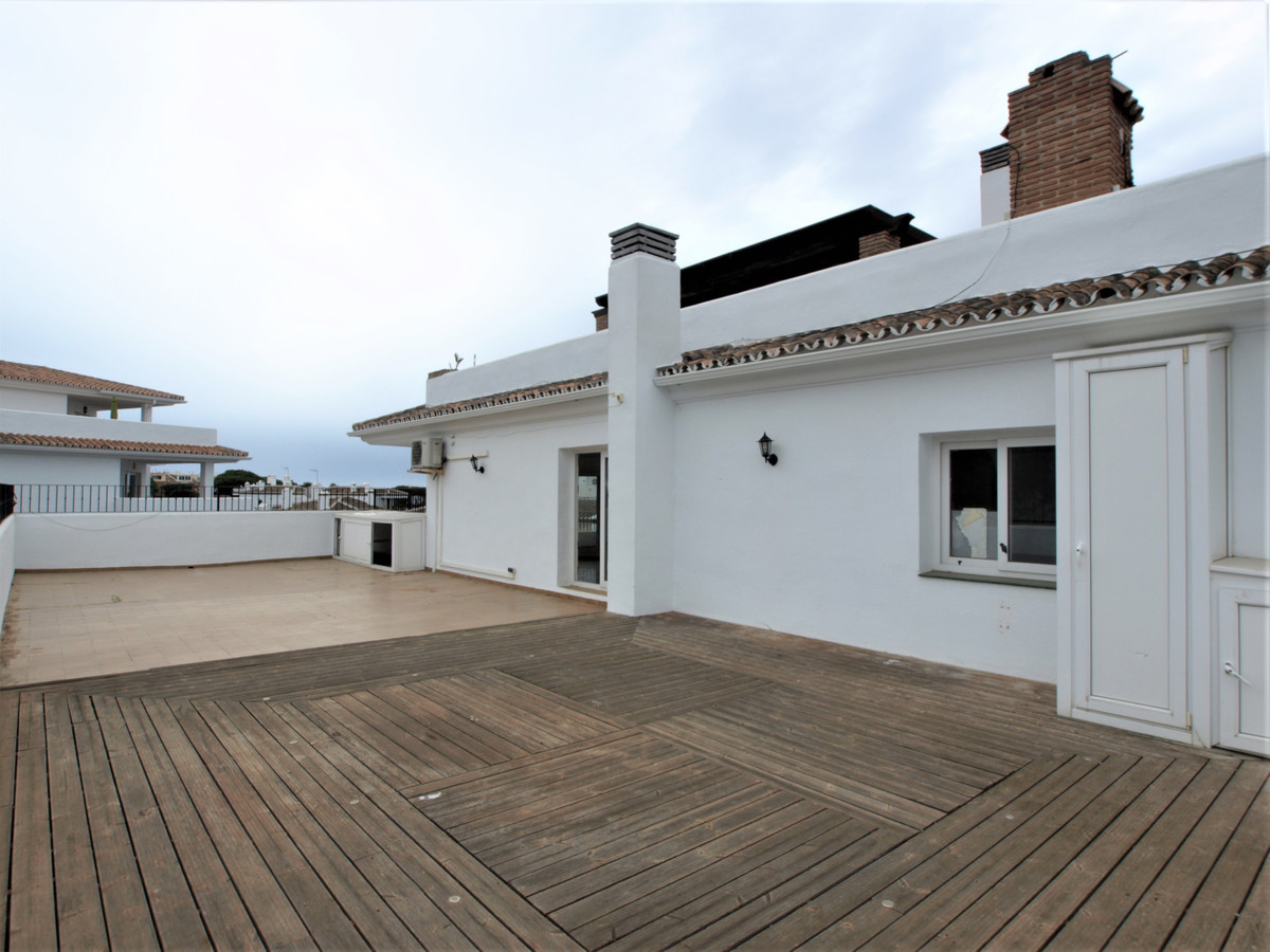 BACK ON THE MARKET UP-TO 100% FINANCE AVAILABLE FOR NON-RESIDENTS !!. A very well priced 2 bedroom 2, Spain