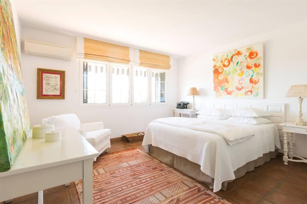 Villa con 13 Dormitorios en Venta Nagüeles