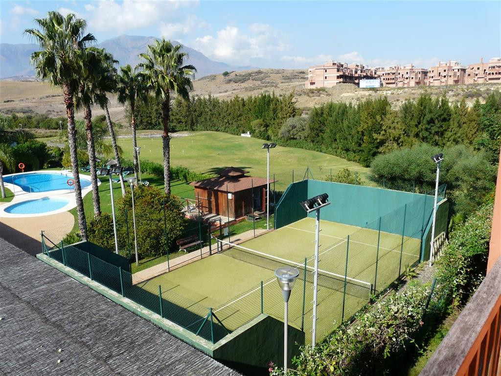 R3183055: Apartment for sale in Estepona