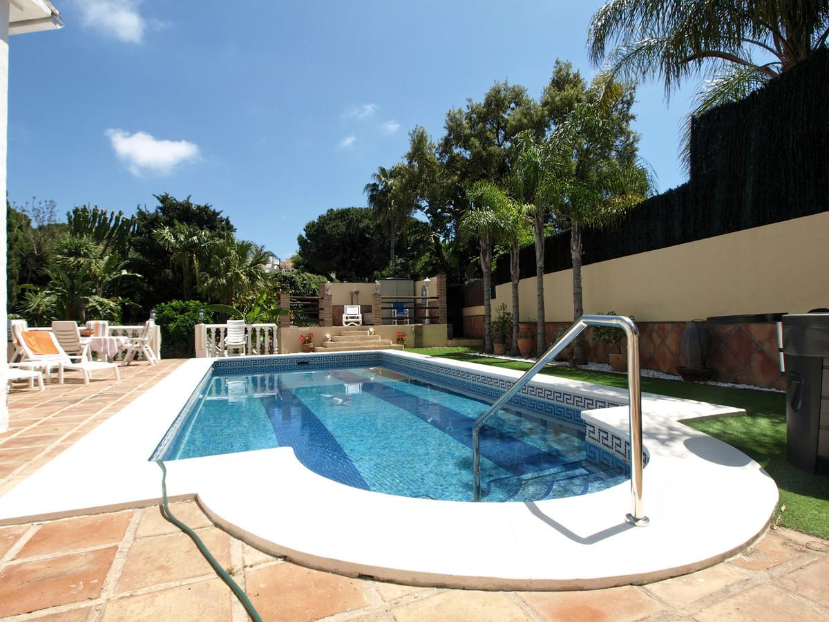 Villa – Chalet en Venta en Elviria – R3414868