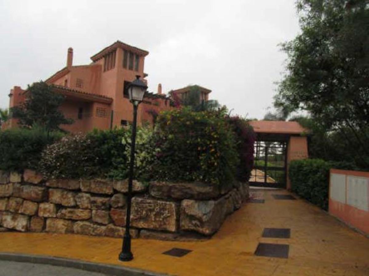 Marbella Banus Apartamento en Venta en La Mairena – R3497971