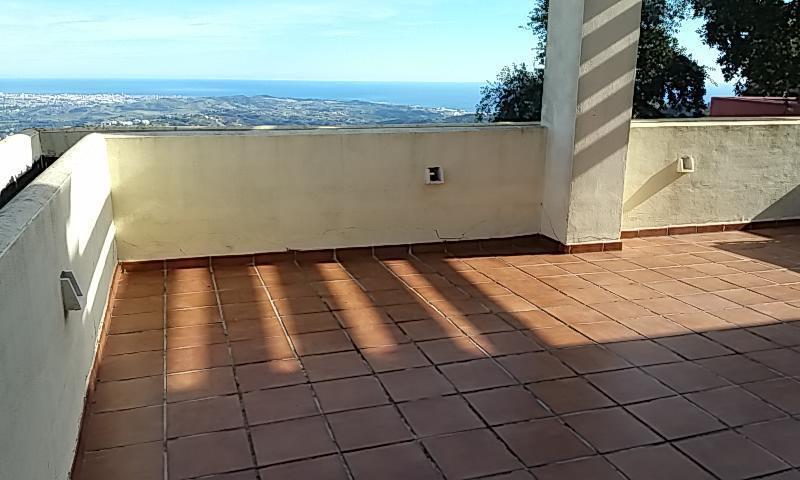 Adosado en Venta en La Mairena – R3077680