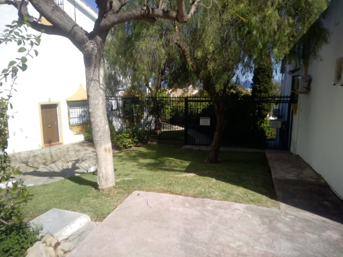 Property located in Calahonda, Malaga, Costa del Sol. Bank repossession townhouse of 140m2 built. Co, Spain
