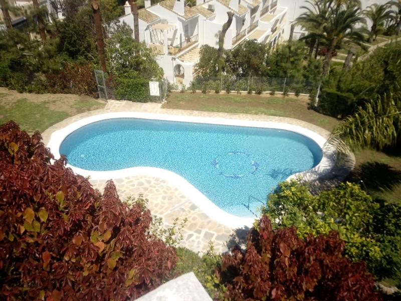 Adosada en venta, Calahonda – R3484273