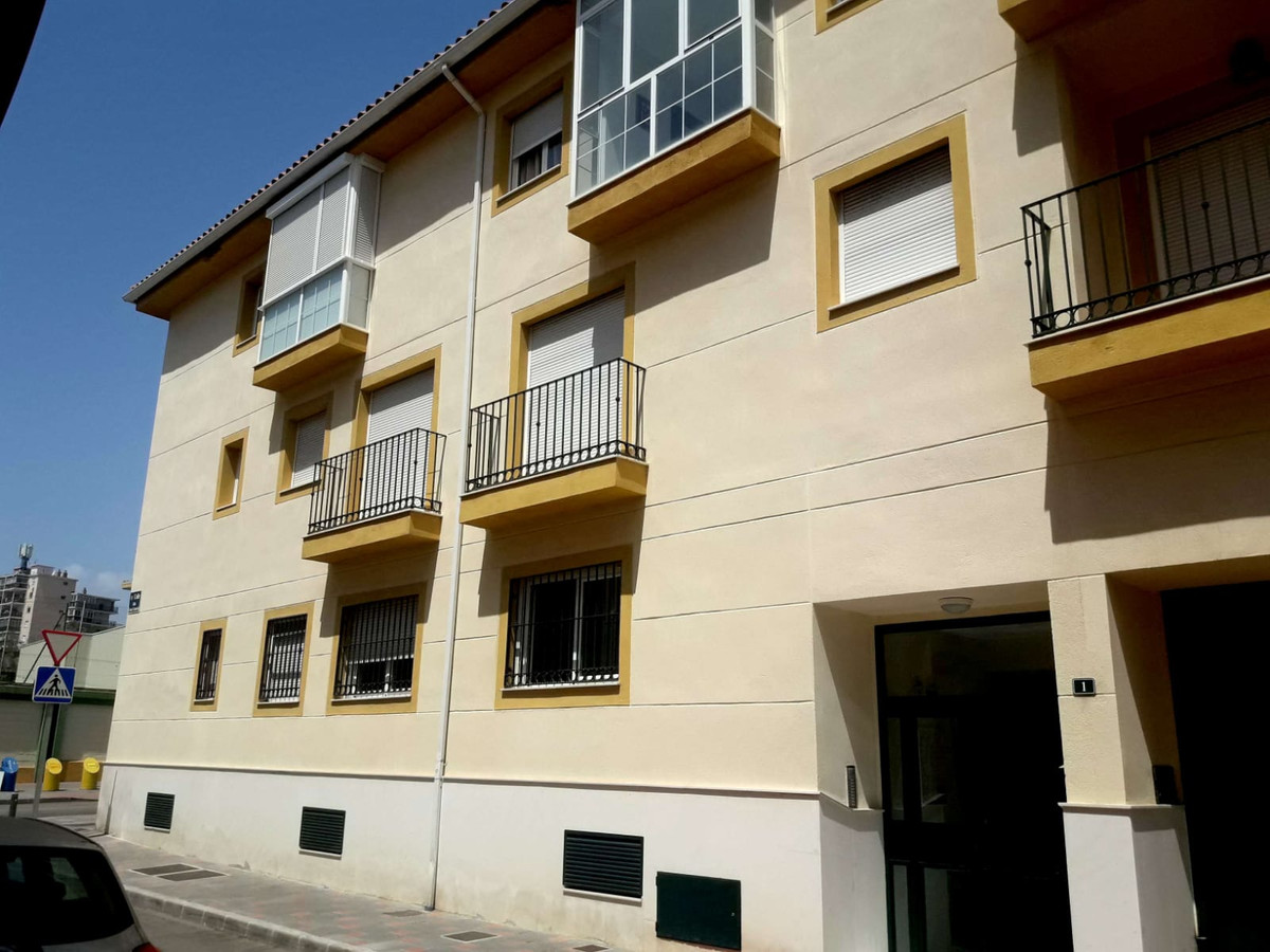 Property located in Fuengirola, Malaga, Costa del Sol. Bank repossession apartment of 56m2 built wih, Spain