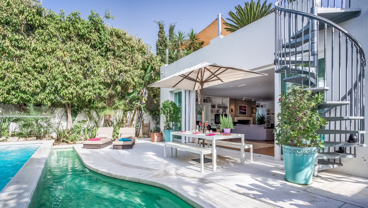 Villa en Venta en The Golden Mile – R2695508