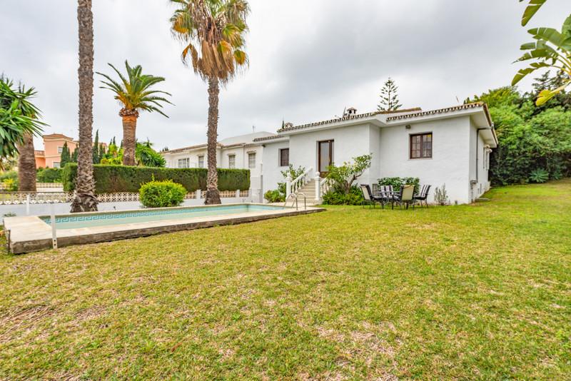 Marbella Banus Villa – Chalet en venta en Atalaya – R3407377