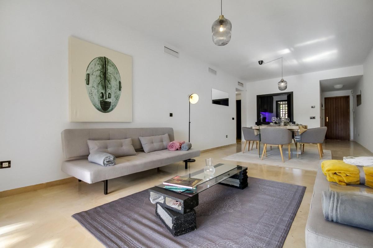 Marbella Banus Apartamento en Venta en El Paraiso – R3895603