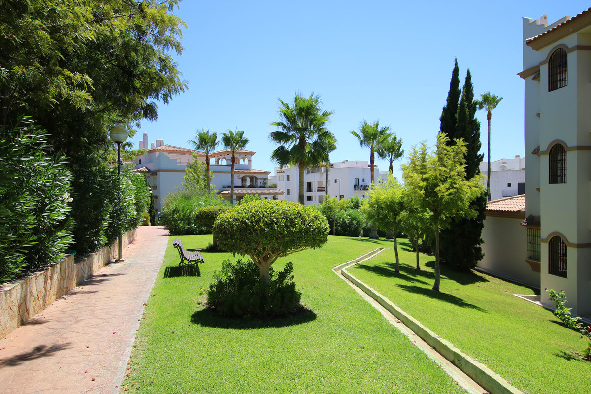 """Apartment for sale in Cala de Mijas, Mijas Costa, with 2 bedrooms, 2 bathrooms, 1 en suite bat, Spain"