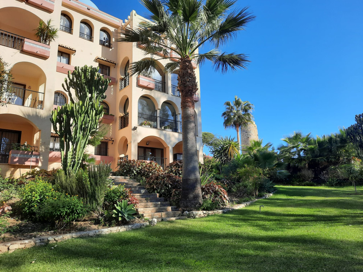 Bargain Lovely 2 bedroom ground floor apartment at beach front complex in La Cala area,  virtual tou,Spain