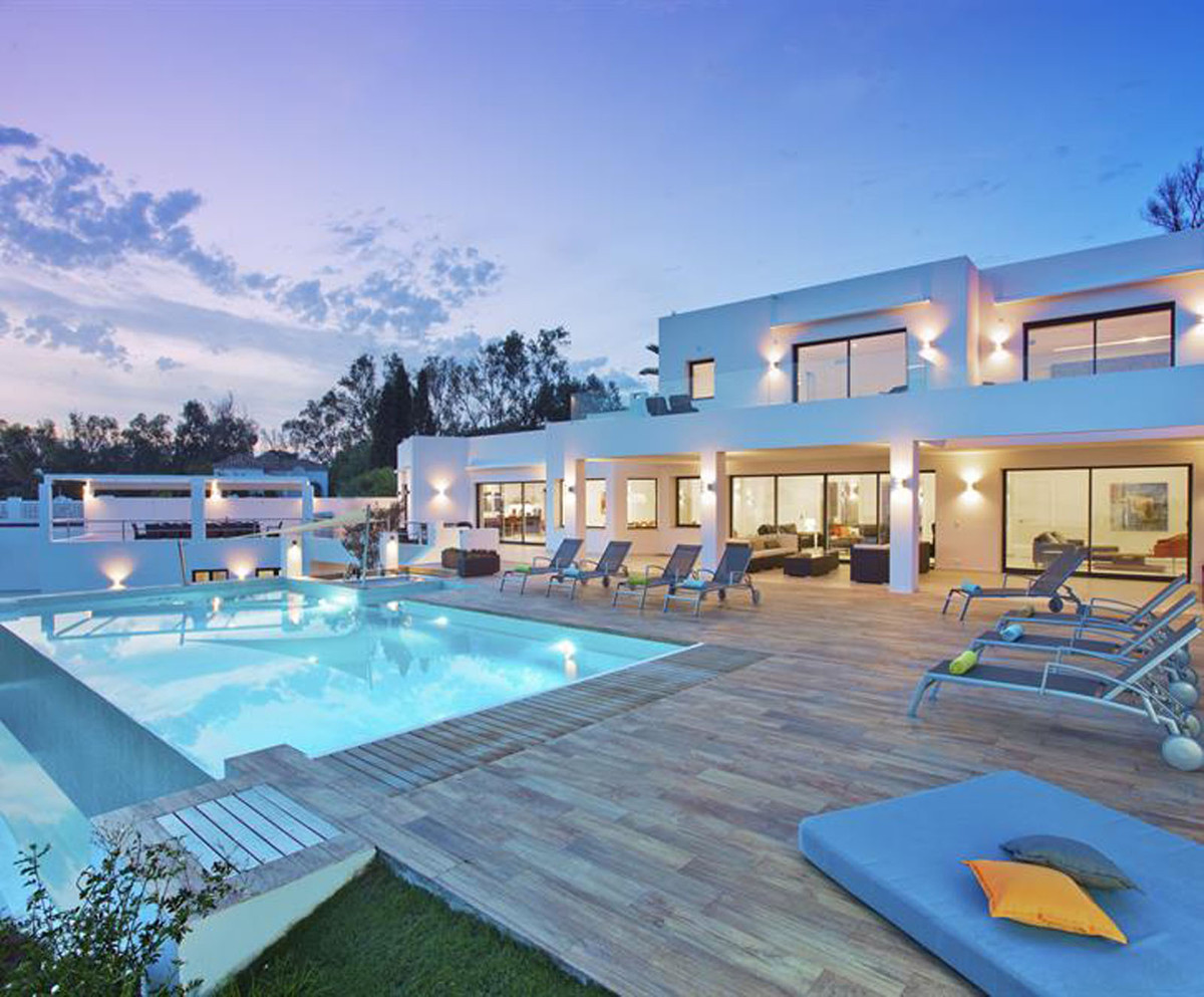 8 Bedrooms 8 bathrooms   Living area 755 m² Sleeps 16 Private pool  Heated pool  Wi-Fi  350 m² terra, Spain