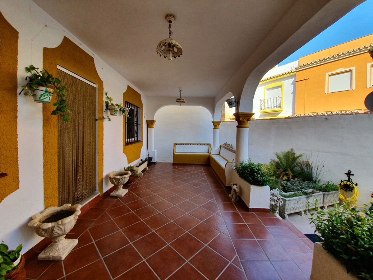 Дом - Estepona - R3668777 - mibgroup.es