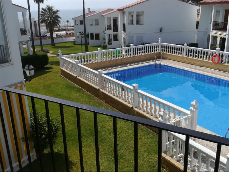 Top Floor Apartment in Punta Chullera for sale