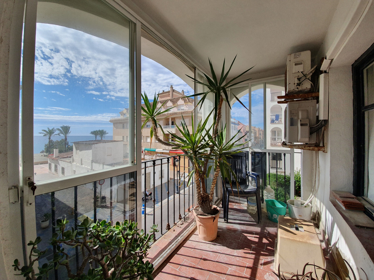 Fantastic opportunity to acquiere a large unit in Punta Almina. A 3 bedroom, 2 bathroom apartment so,Spain