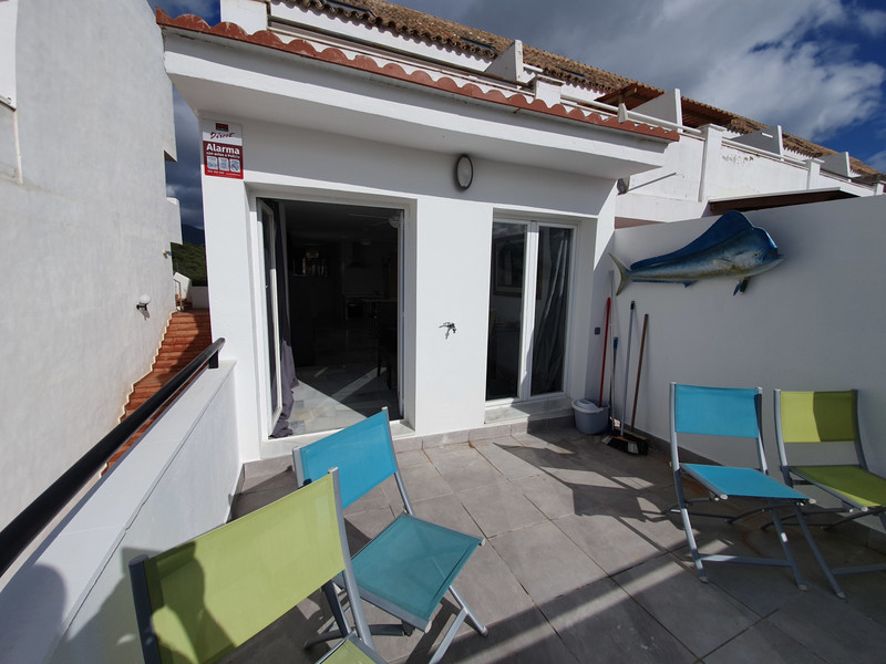 Top Floor Apartment in Estepona for sale