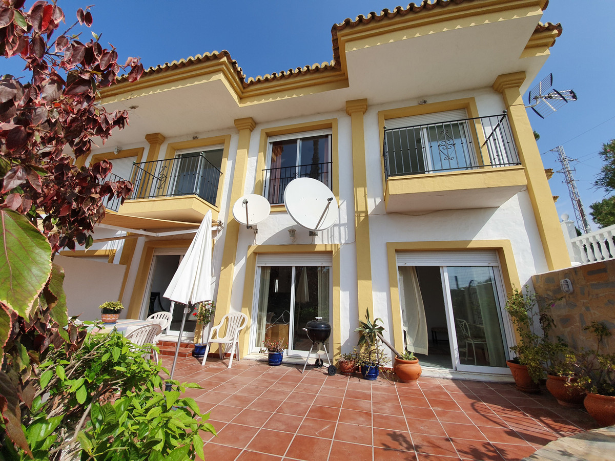 Stunning corner townhouse not far from Manilva village. Large property of 117M2 house, plus 27M2 ter,Spain