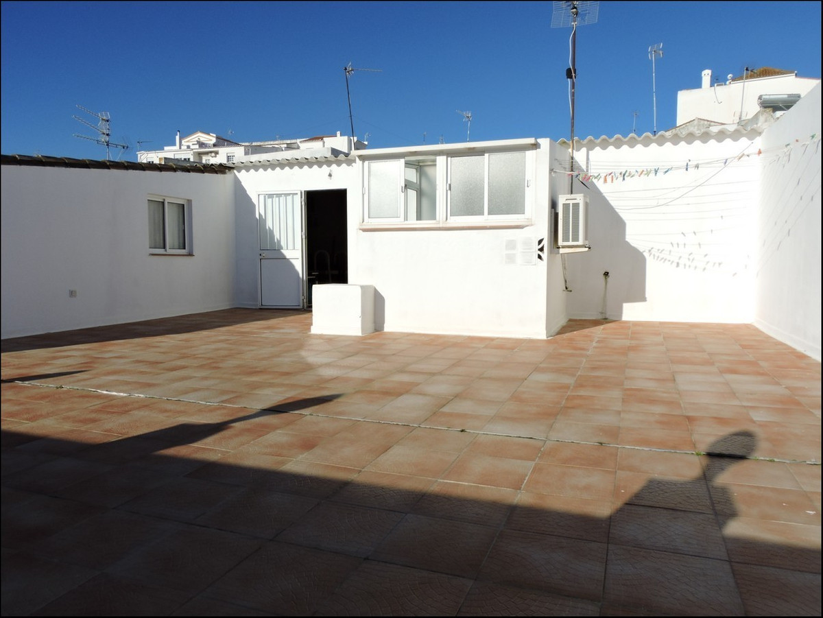 Superb family home in Manilva town. Fatanstic quality, amazing deal. Over 300M2 built, including a l, Spain