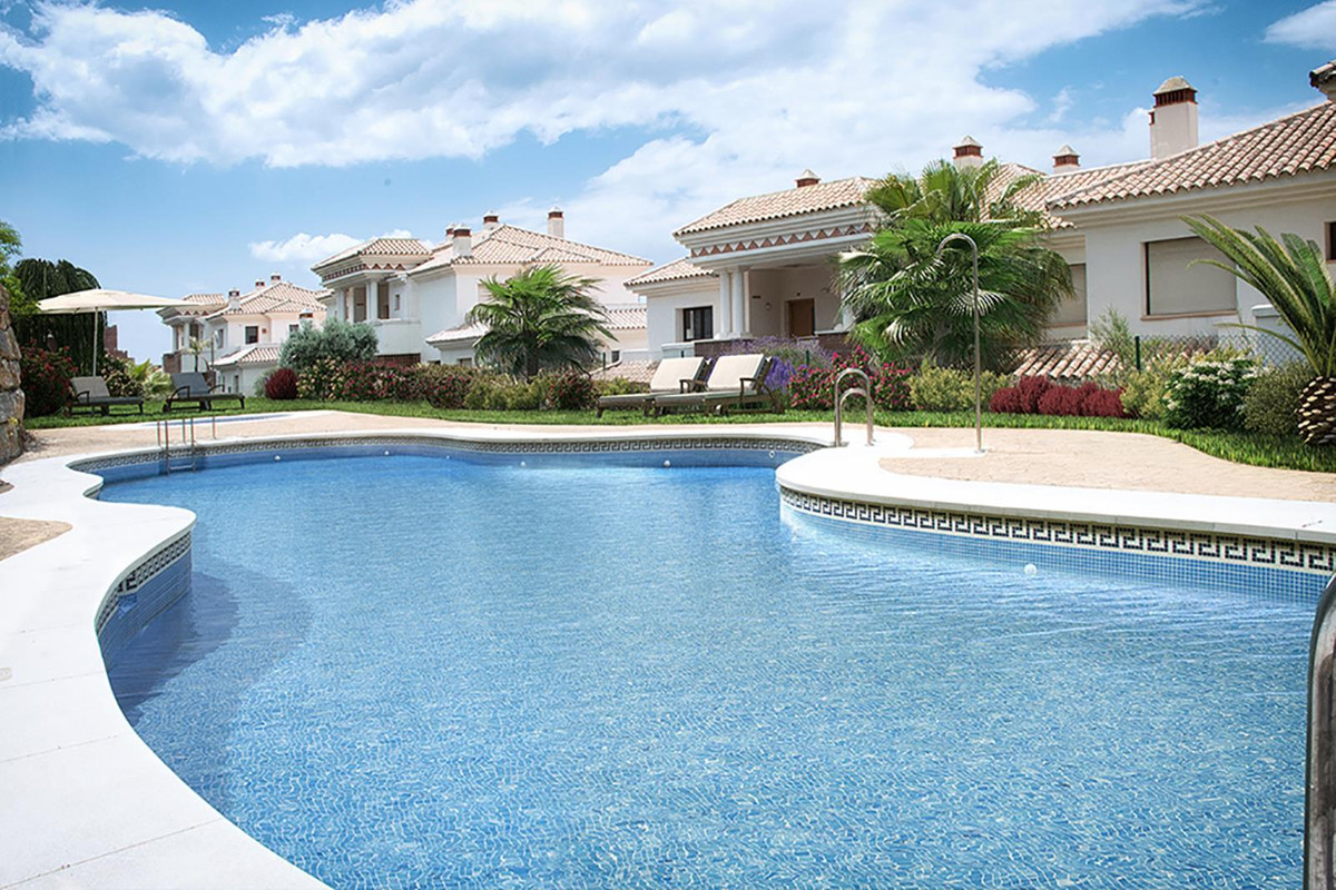 Ground Floor Apartment for sale in Casares Playa R3765145