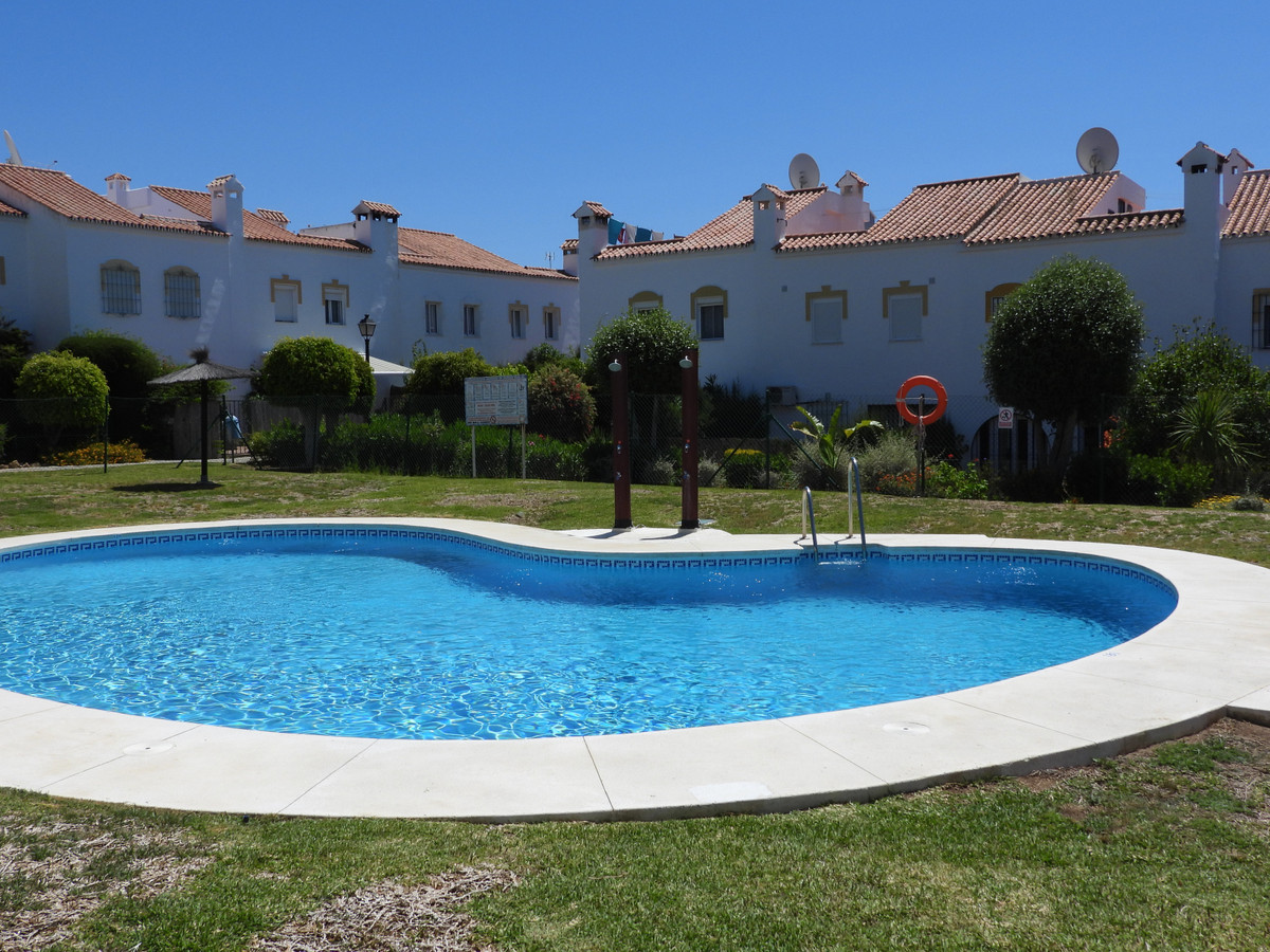 Ah yes!  A 3 bedrooms family townhouse now for sale in Marina de casares. Not beach side! No paper p,Spain