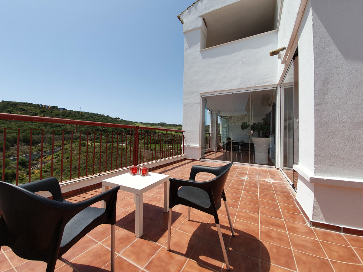 Stunning, spacious, 3 bed - 2 bath luxury apartment in Alcaidesa. Comes with parking space and stora, Spain
