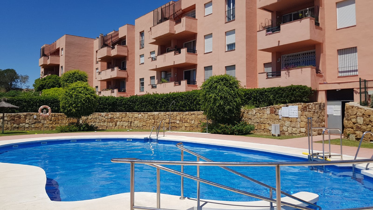 Hugely reduced! 3 bedrooms - 2 bathrooms, ground floor with parking. Communal swimming pool. Don&apo,Spain
