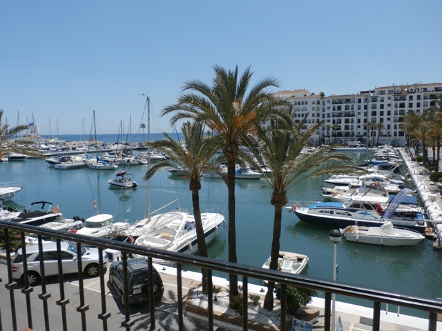 Great studio apartment with absolutely fantastic marina views. It's perfect orientation to the w, Spain