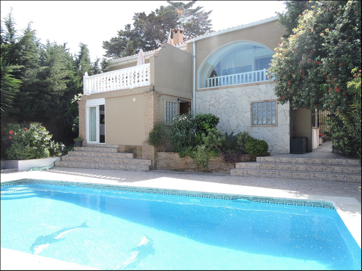 Large family home that has been divided in two full apartments or one large villa.  Total 5 bed -5 b,Spain